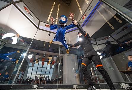 polet v aerotrube dly detey indoor skydiving 01